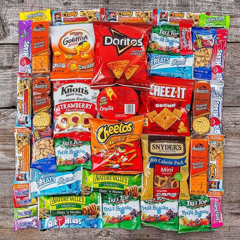 hangry-kit-sweet-salty-snack-sampler-junk-foods-stash