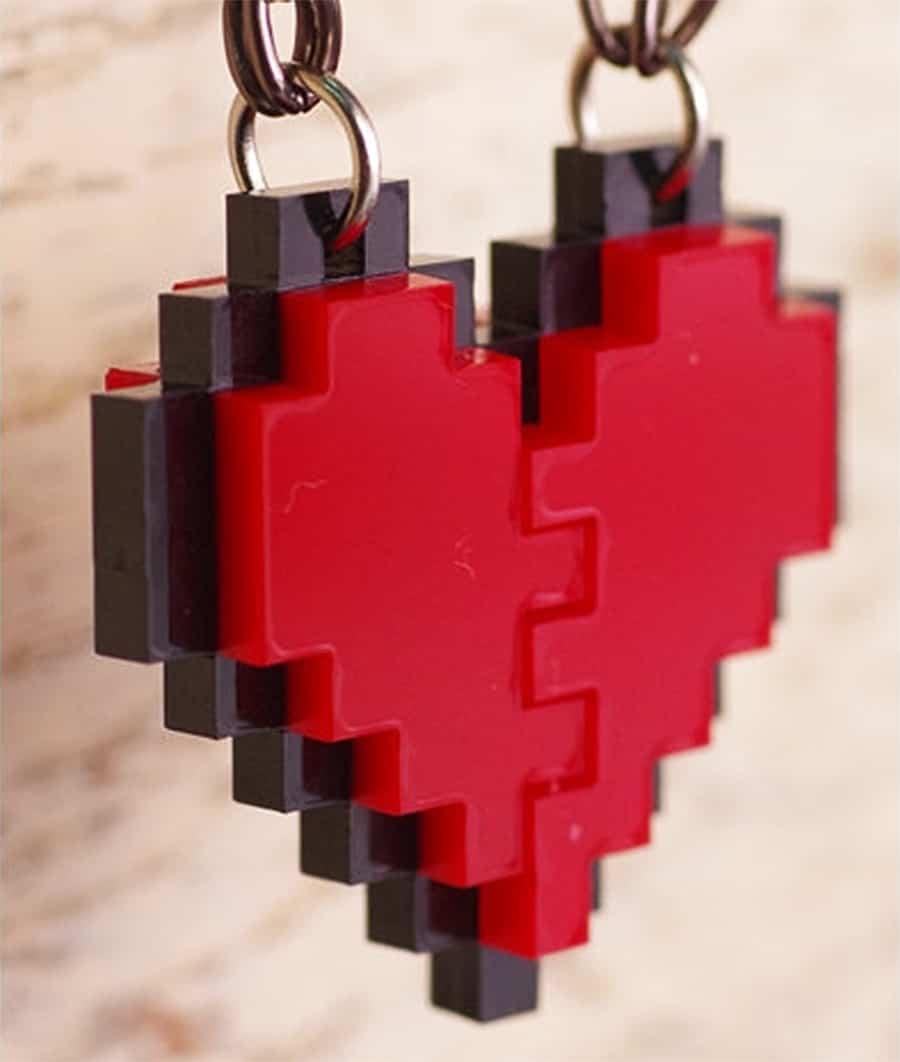 nastalgame-pixel-heart-acrylic-necklace-8-bit-design