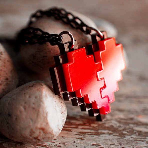nastalgame-pixel-heart-acrylic-necklace-legend-of-zelda-game-insipred