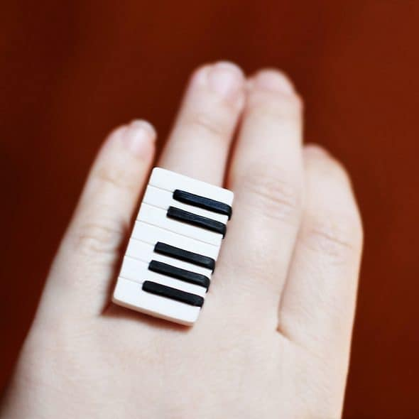 gitas-jewelry-piano-ring-accessory