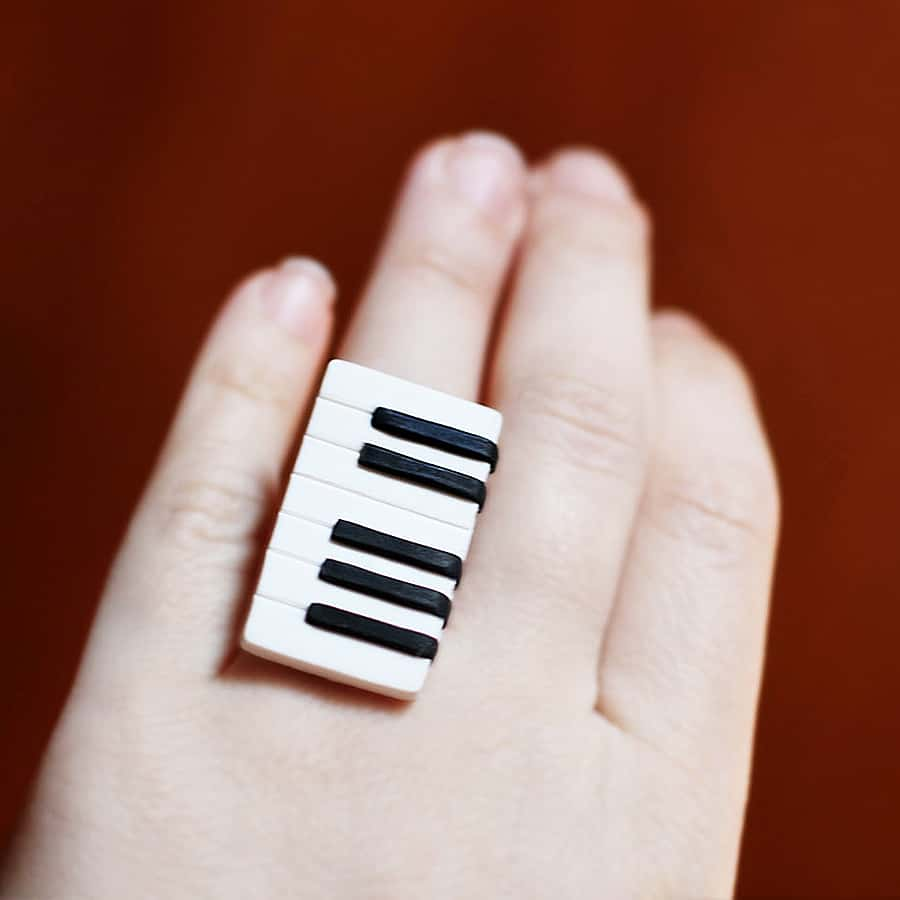 Tiny keys for a fashionable musical piece.