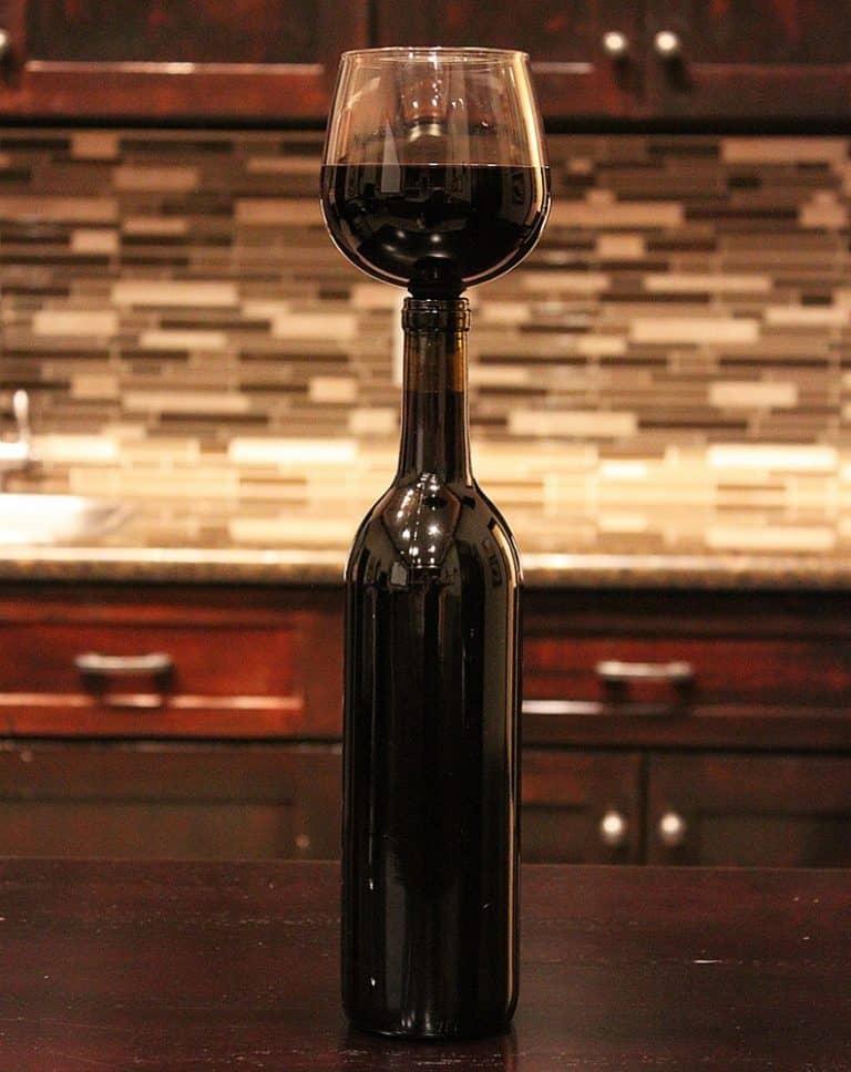 guzzle-buddy-wine-bottle-glass-lead-free-glass