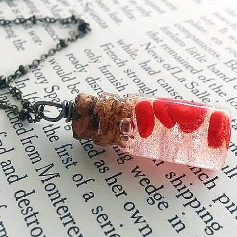 lunacy-eavee-red-blood-cells-bottle-necklace-fashion-item