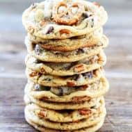 mason-munchies-salted-caramel-pretzel-chocolate-chip-cookies-dessert
