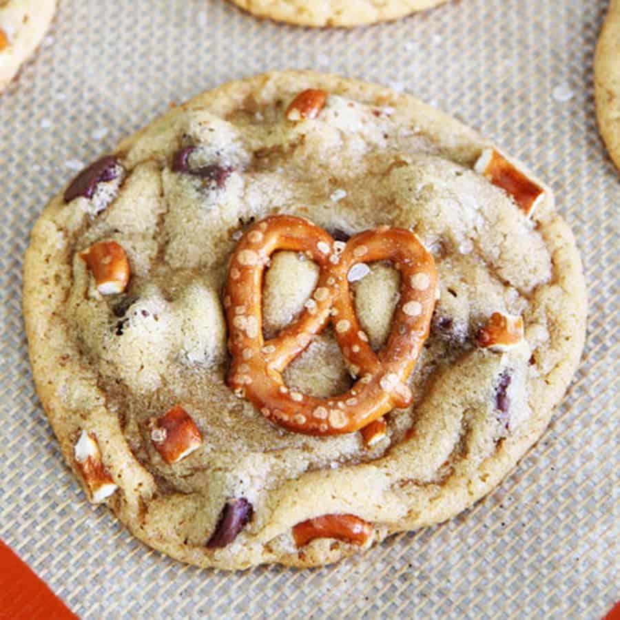 mason-munchies-salted-caramel-pretzel-chocolate-chip-cookies-pastries