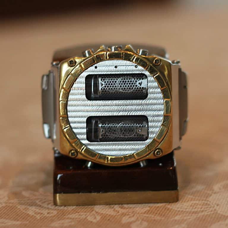 nixie-horizonte-nixie-tube-clock-watch-aluminum-and-brass