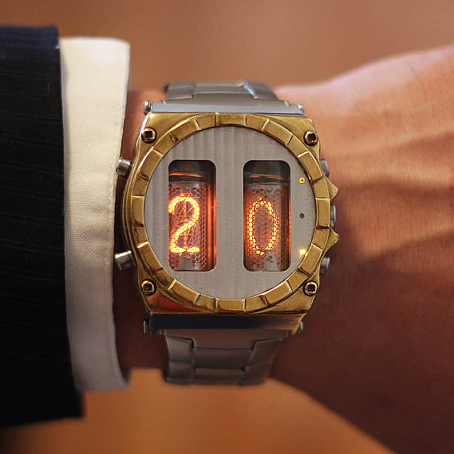nixie-horizonte-nixie-tube-clock-watch-wrist-watch