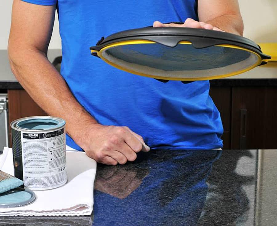 paint2it-anti-gravity-paint-tray-palette-adjustable-strap