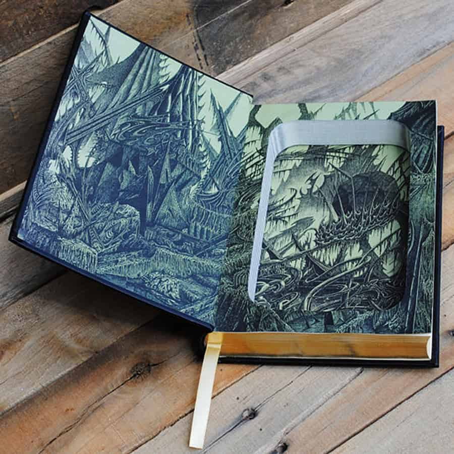 refined-pallet-cthulhu-mythos-tales-hollow-book-safe-stash