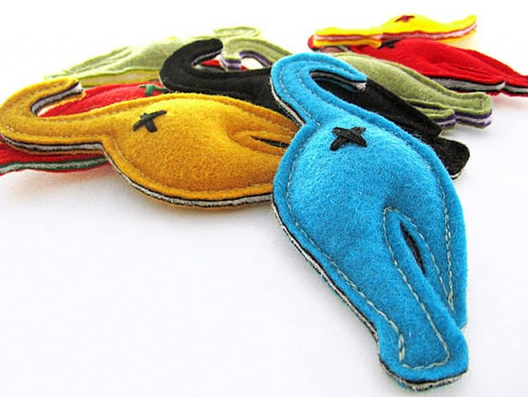 2-forks-design-nip-in-the-butt-catnip-toy-felt