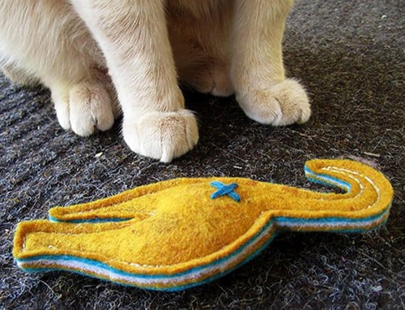 2-forks-design-nip-in-the-butt-catnip-toy-fiberfill-stuffed