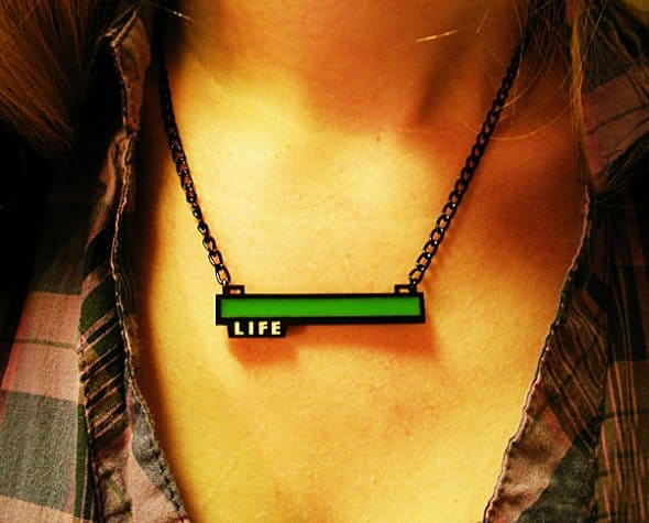 critical-hit-shop-glowing-life-bar-necklace-cool-gamer-party-accessory