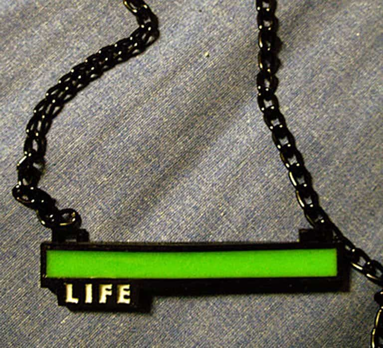 critical-hit-shop-glowing-life-bar-necklace-jewelry