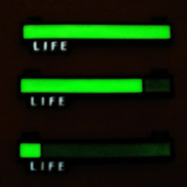 critical-hit-shop-glowing-life-bar-necklace-zelda