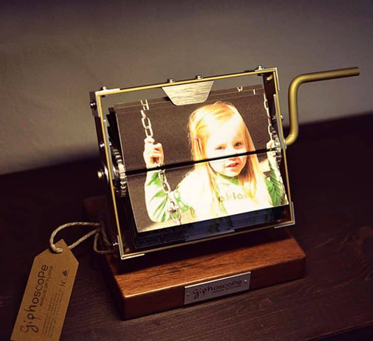 giphoscope-vero-analog-gif-player-mutoscope-inspired