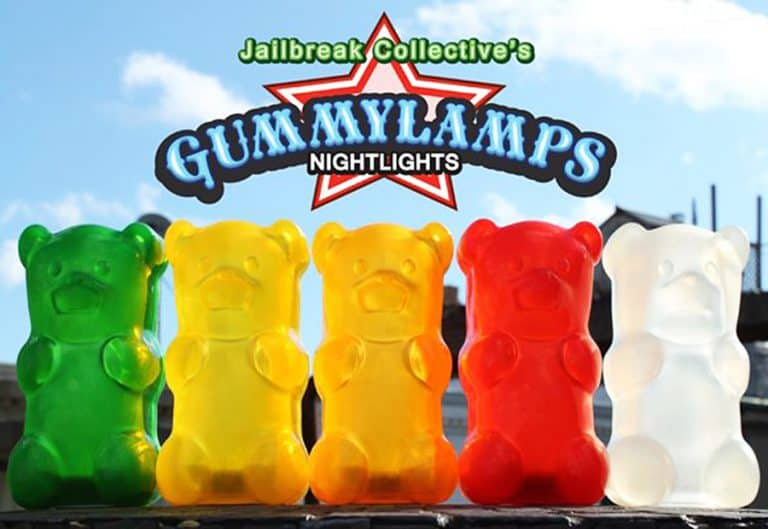 gummygoods-gummy-bear-nightlight-huggable-item
