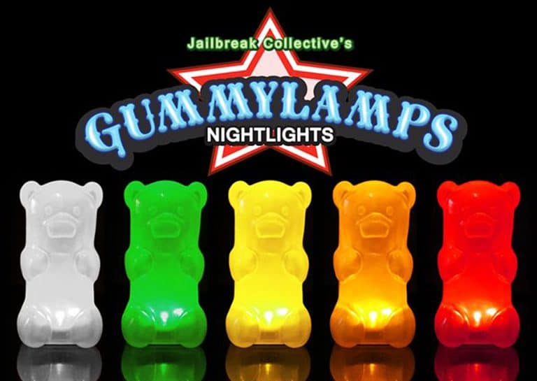 gummygoods-gummy-bear-nightlight-portable