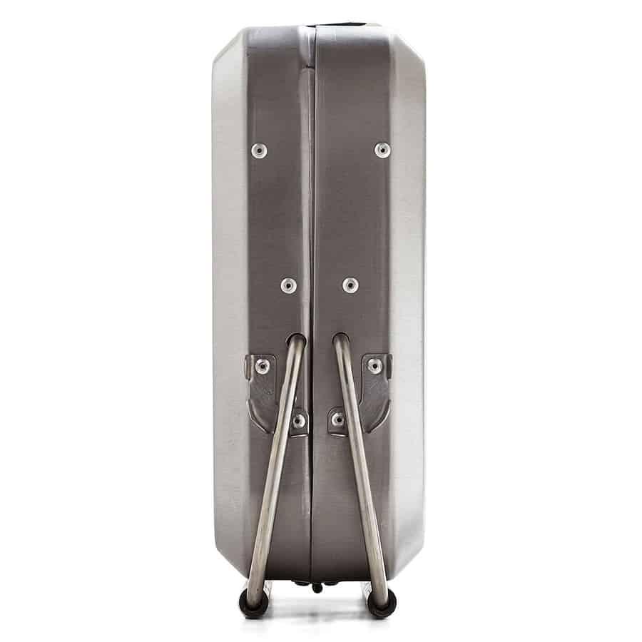 kikkerland-portable-bbq-suitcase-secure-lock