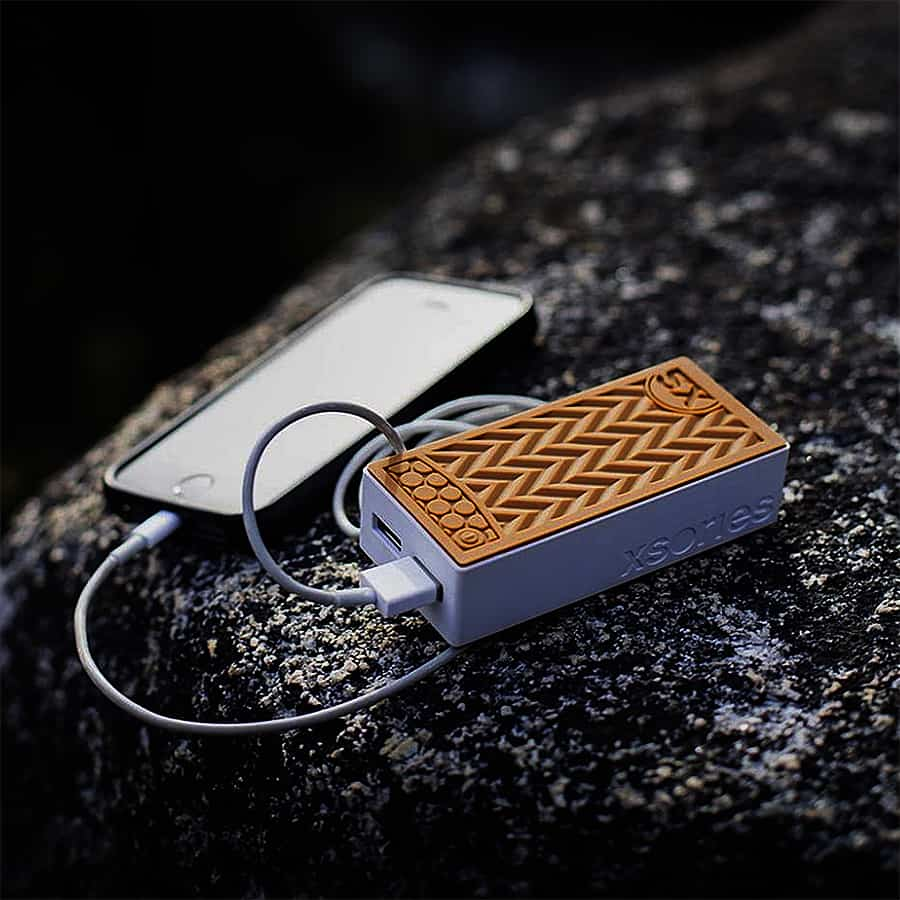 xsories-sneaker-power-bank-device-charger