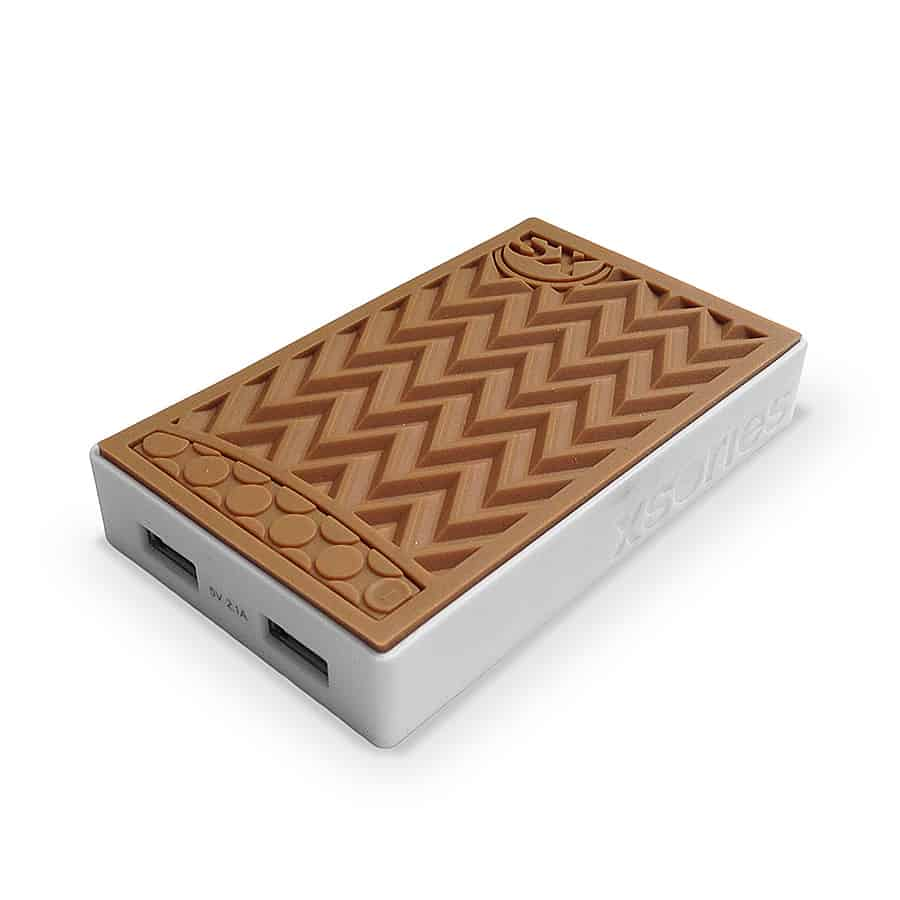 xsories-sneaker-power-bank-electronic-devices