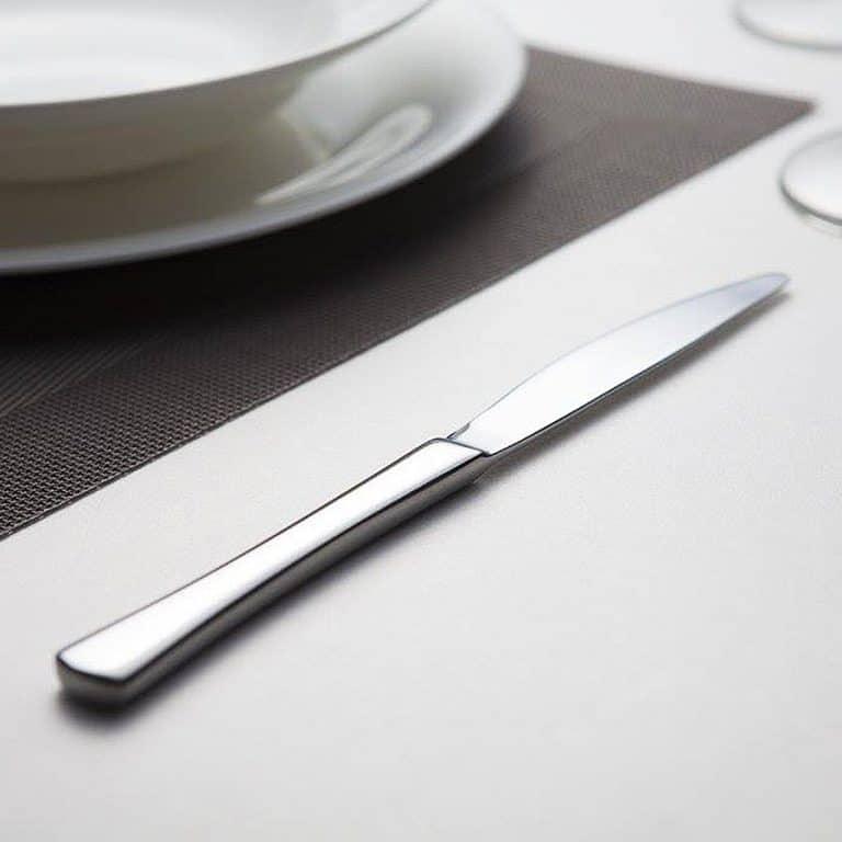 dawoochen-heads-up-flatware-set-knife