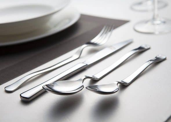 dawoochen-heads-up-flatware-set-tableware