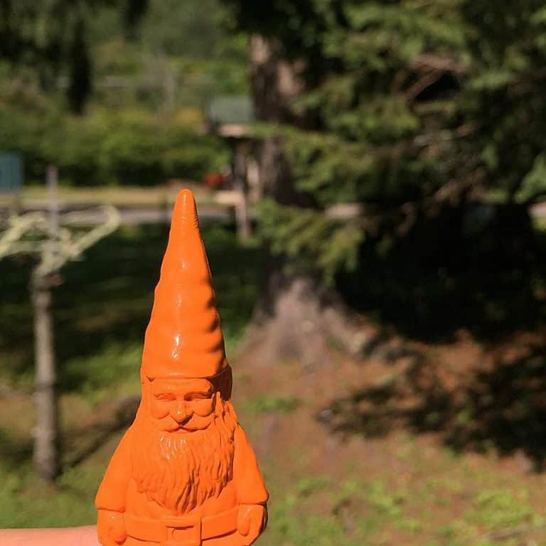 fctry-gnome-crayons-coloring-product