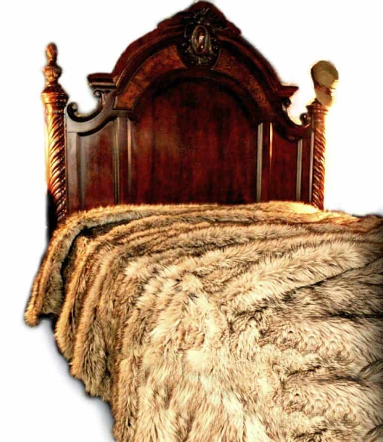 fur-accents-plush-luxury-faux-fur-bedding-throw-blanket