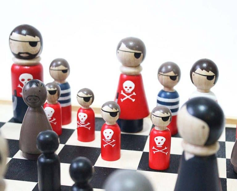 goosegrease-pirates-vs-ninjas-wooden-chess-set-board-game