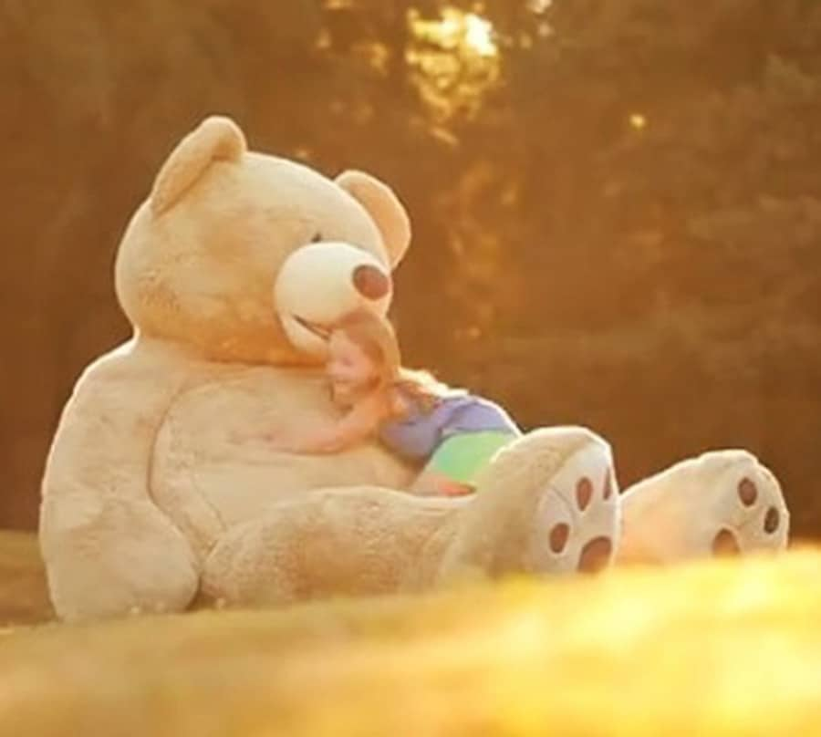 hugfun-giant-teddy-bear-sitting-bear