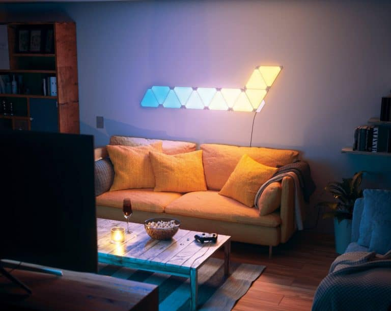 nanoleaf-aurora-smart-lighting-chic-living-room