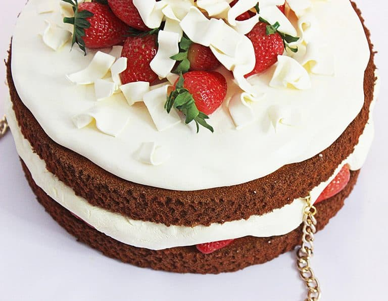 rommy-de-bommy-white-chocolate-cream-cake-purse-bag