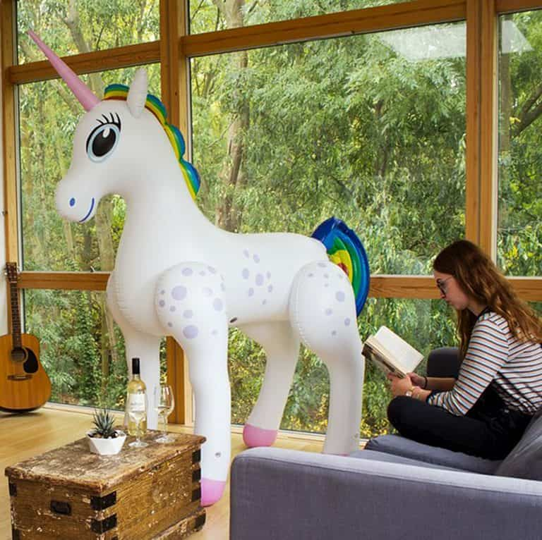 giant-inflatable-unicorn-party-accessory