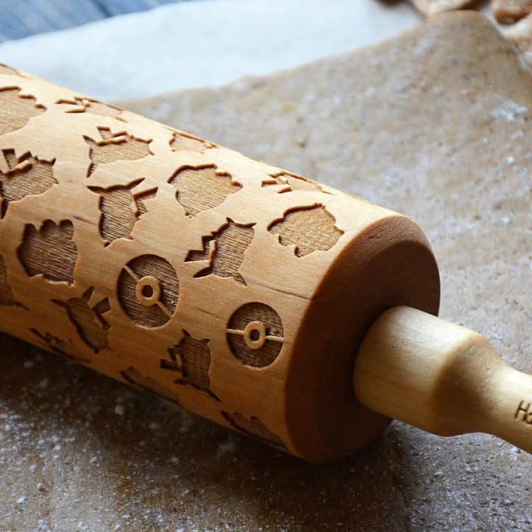 happy-rolling-pin-pokemon-pikachu-wooden-rolling-pin-baking-tools