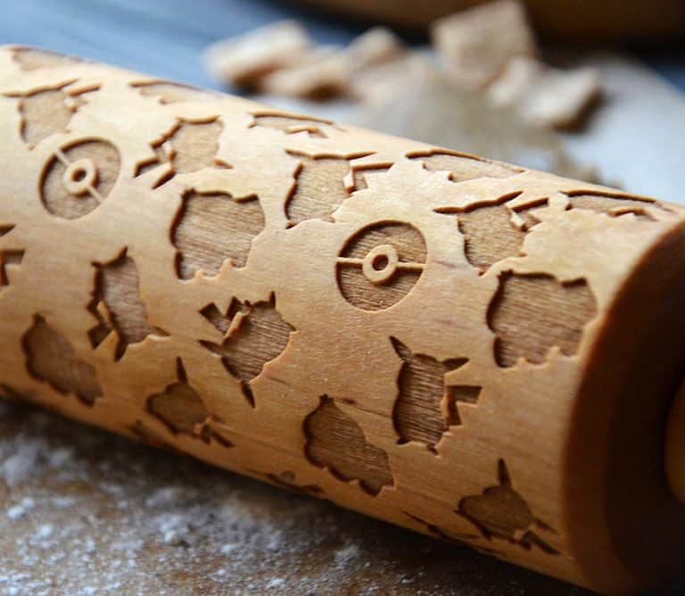 happy-rolling-pin-pokemon-pikachu-wooden-rolling-pin-kitchen-tool