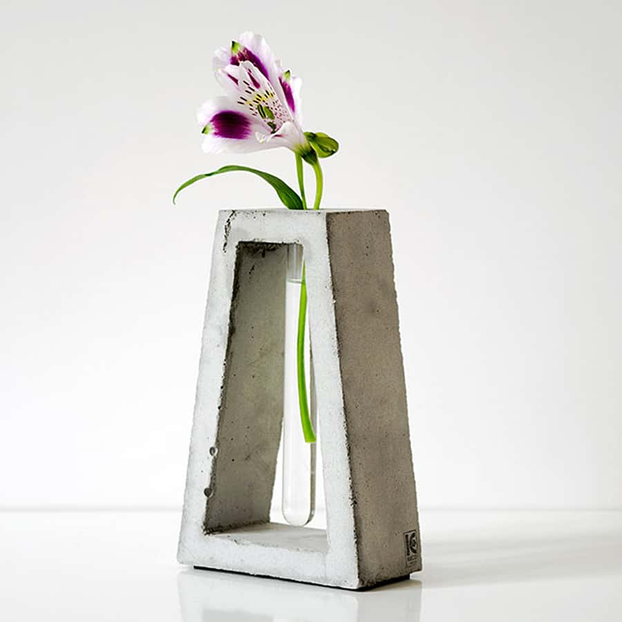A modern vase, for minimalistic needs.