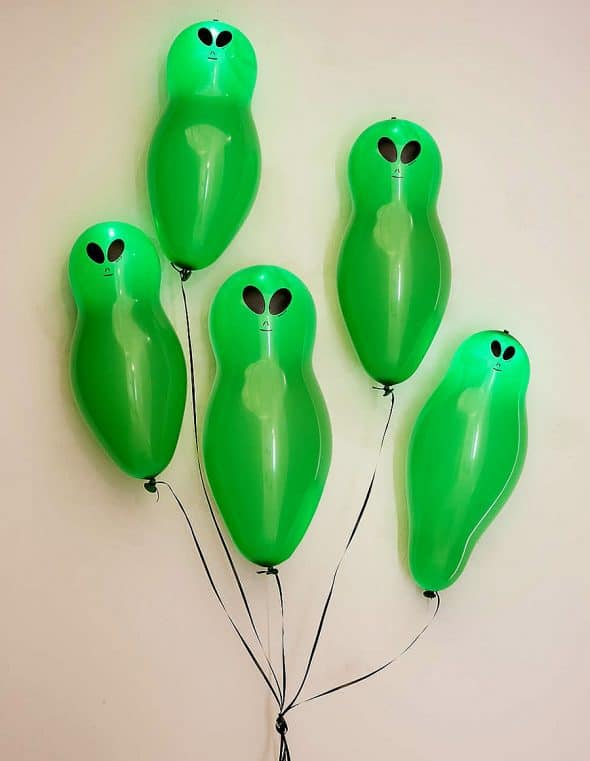Light-Up Alien Balloons Set Party Pack