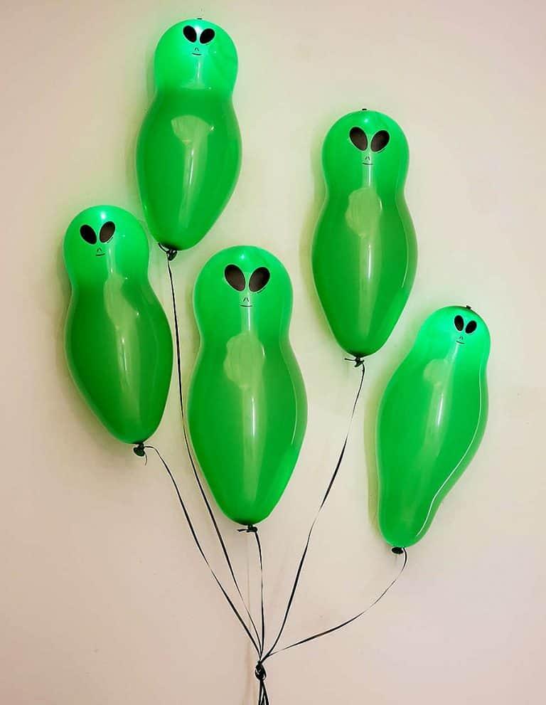 Light-Up Alien Balloons Set Party Pack