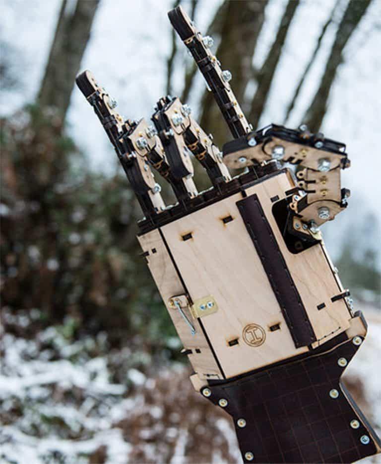 mech-madness-designs-gepettos-folly-wood-mech-hands-controllable