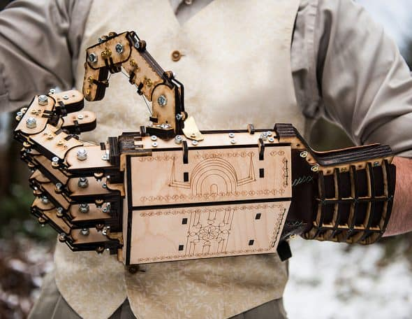 mech-madness-designs-gepettos-folly-wood-mech-hands-puppet-hand