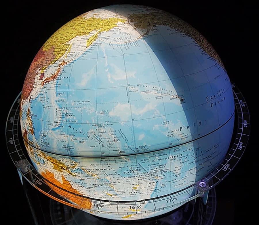 Elenco Edu-Toys Night 'n Day Mechanical Globe Table Top Product