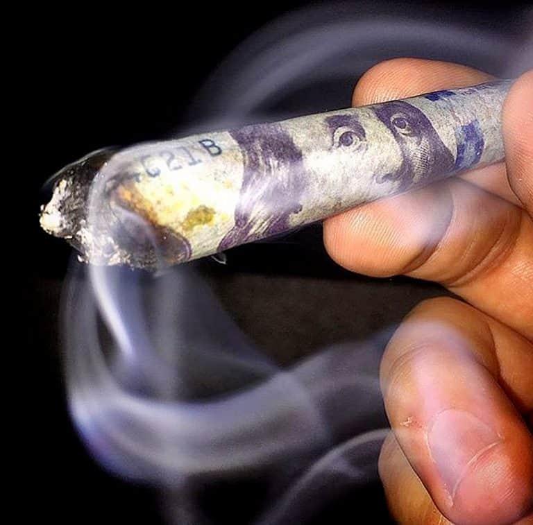 Empire Rolling $100 Dollar Bill Rolling Paper Smoking