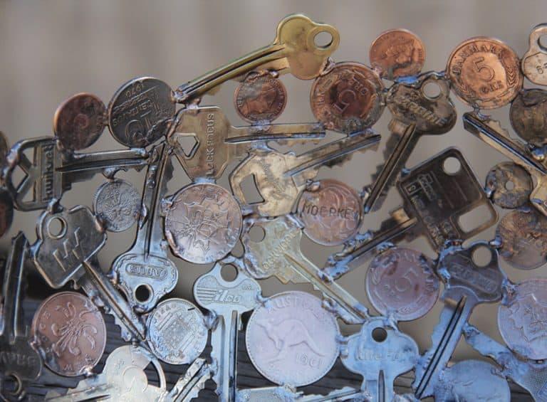 Moerkey Coin and Key Bowl Old Keys