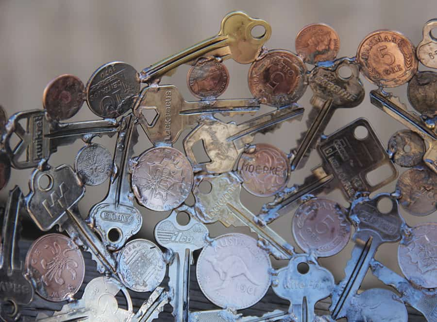 Moerkey Coin and Key Bowl Old Keys