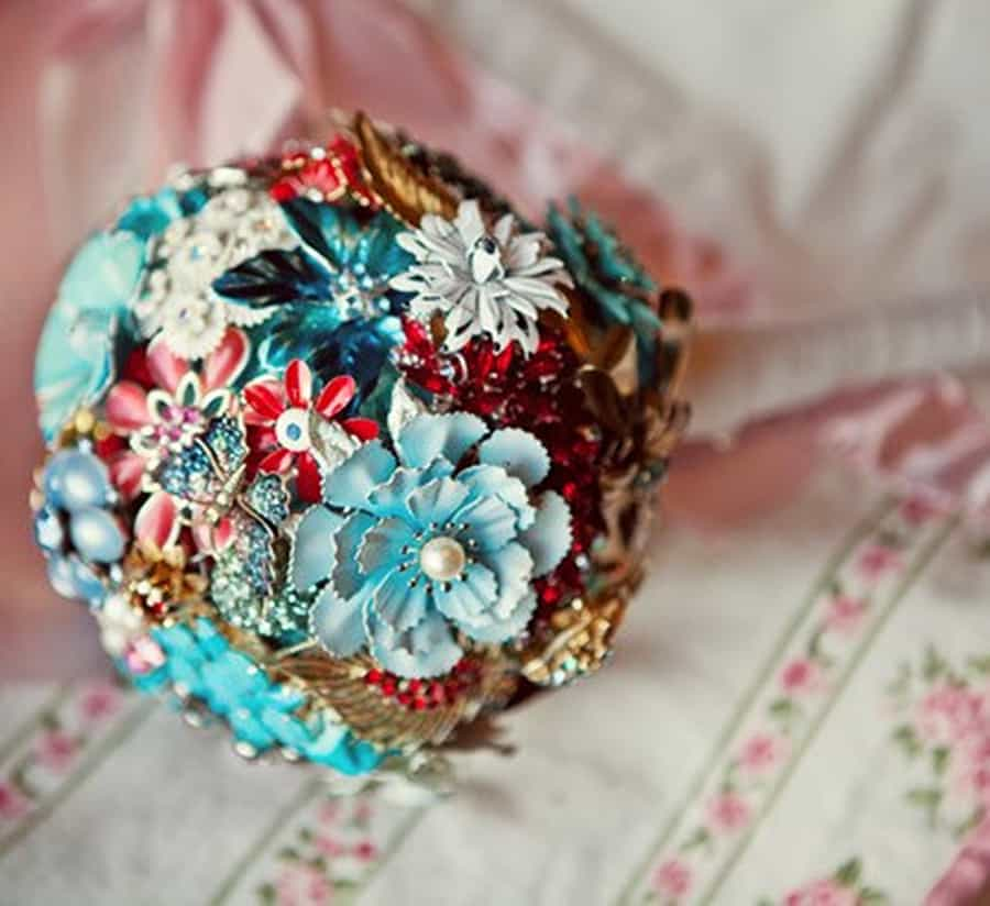 The Ritzy Rose Brooch Handcrafted Bouquet Novelty
