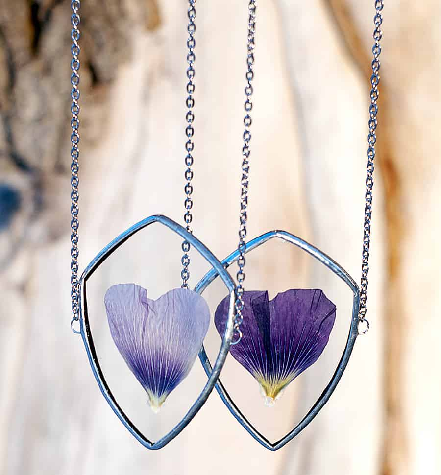 WWHeart Pressed Flower Petal Necklace Fashion Item