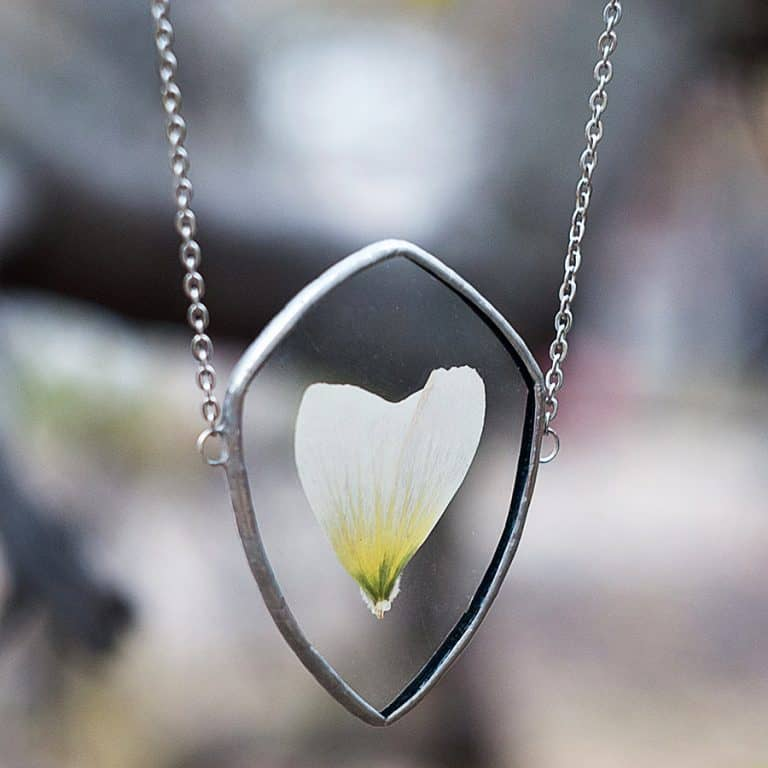 WWHeart Pressed Flower Petal Necklace Jewelry