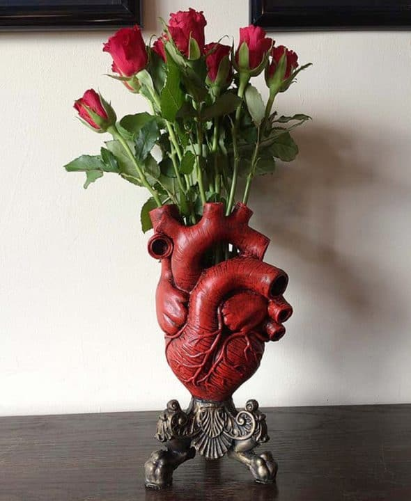 Dellamorteco Anatomical Heart Vase Resin