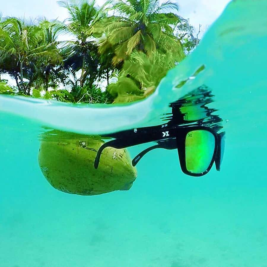 Never lose your shades to the water again!