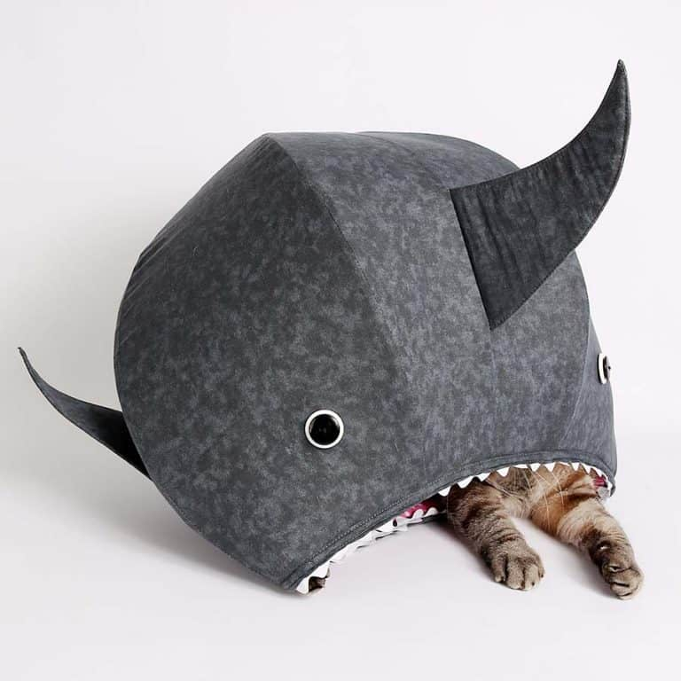 The Cat Ball Great White Shark Kitty Bed Novelties